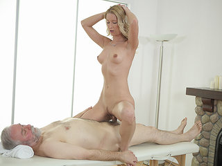 Hottie opens vagina as broad as possible for an old cock.
